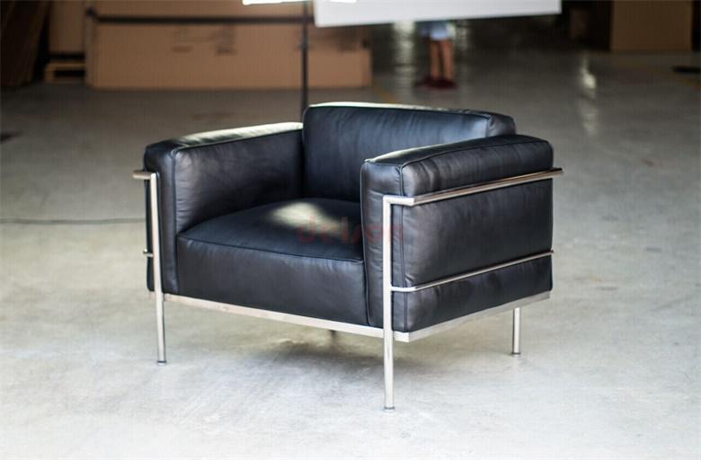 le corbusier lc3 grand confort armchair and sofa sofa. Black Bedroom Furniture Sets. Home Design Ideas